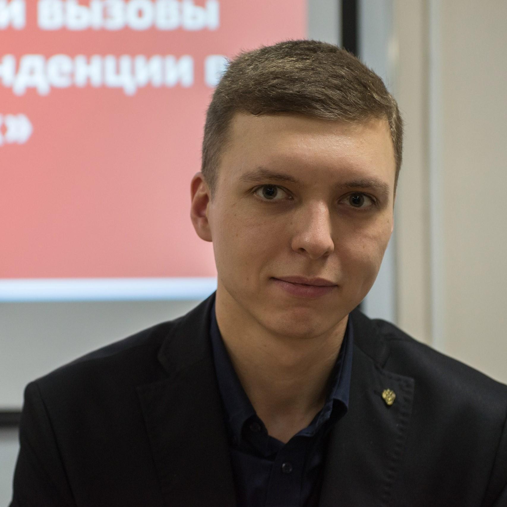 Кураторы 8 Школы: Сергеев Василий Сергеевич